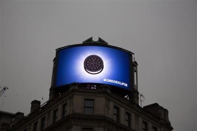42787-OreoEclipse London